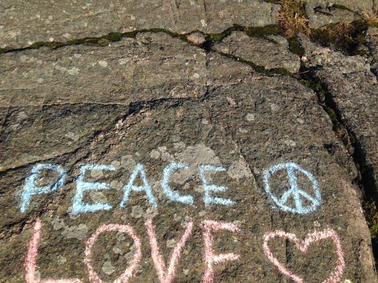 rauhaa ja rakkautta